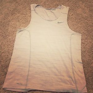 Nike workout tank top means small
